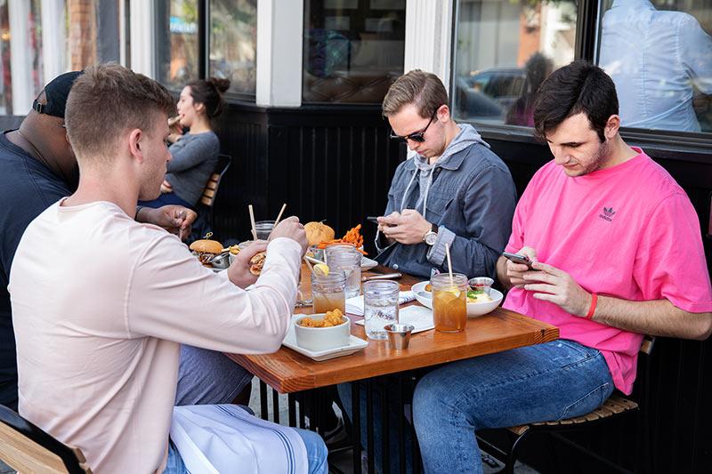 Ravintolatoiminnan pelastanut verkkokauppa syntyi viikossa