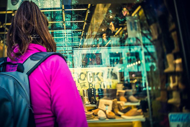 Mitä kuluttaja odottaa verkkokaupan joulumyynniltä? Otteita Deloitten tutkimuksesta